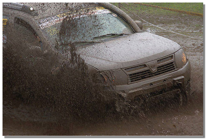 фото рено дастер скваозь грязь