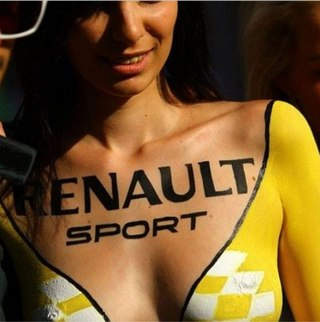 renault-duster-girls-photo-31