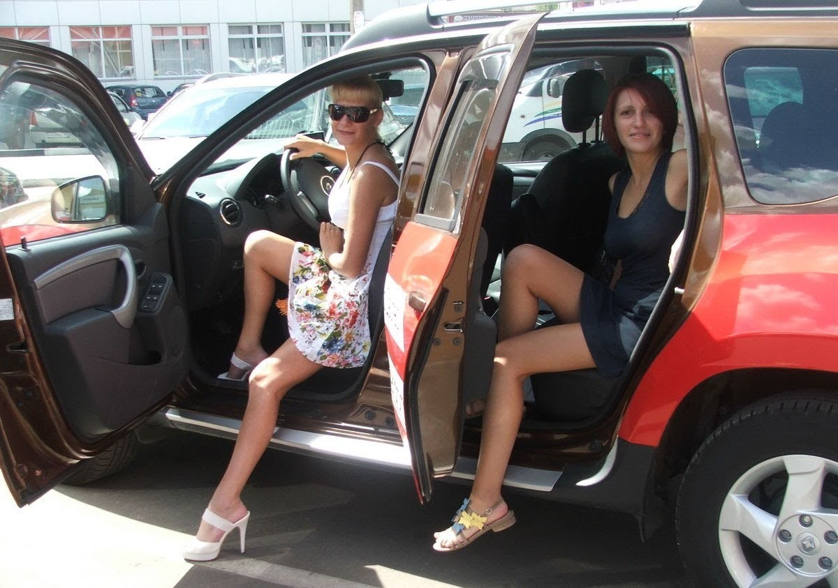 renault-duster-girls-photo-49