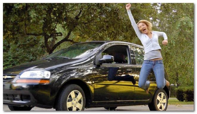 фото девушки и автомобиля